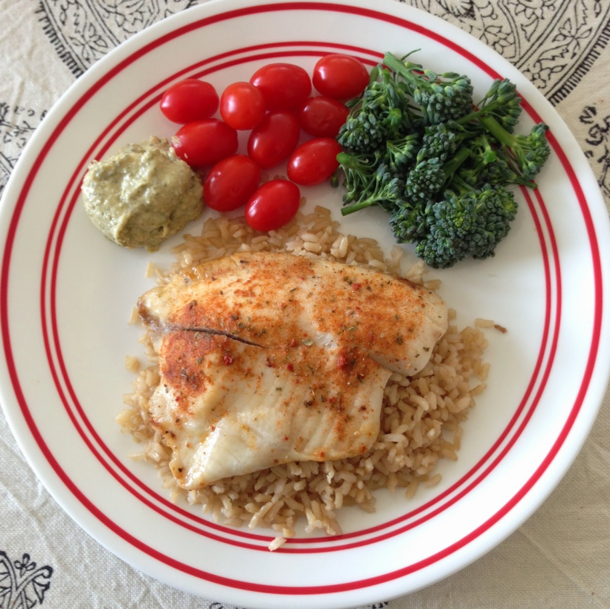 Lunch or Dinner: 4oz Tilapia with 1/2 cup brown rice, broccoli, tomatoes and 1 tbsp hummus