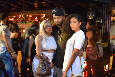 Ginuwine poses with daughters Dejan and Cypress