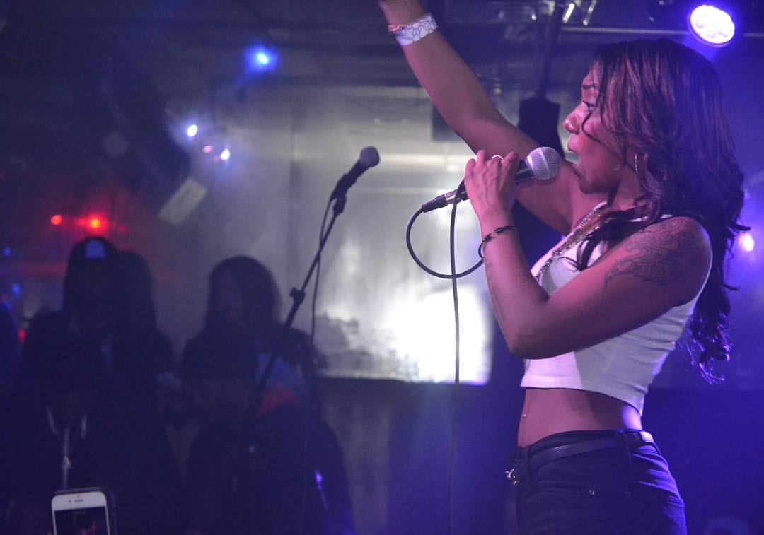 """Ella performs at Blackthorn for the H2O Music """"Queens Gets the Money"""" Concert. Photo by  @Str8FromTheGutta"""