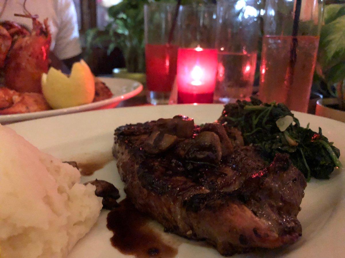 NEW YORK STRIP (14 oz) $34 NY Strip Steak • Homemade Mashed Potatoes Garlic Spinach • Balsamic Glazed Mushrooms