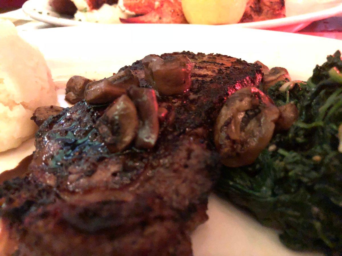 NEW YORK STRIP (14 oz) 34 NY Strip Steak • Homemade Mashed Potatoes Garlic Spinach • Balsamic Glazed Mushrooms