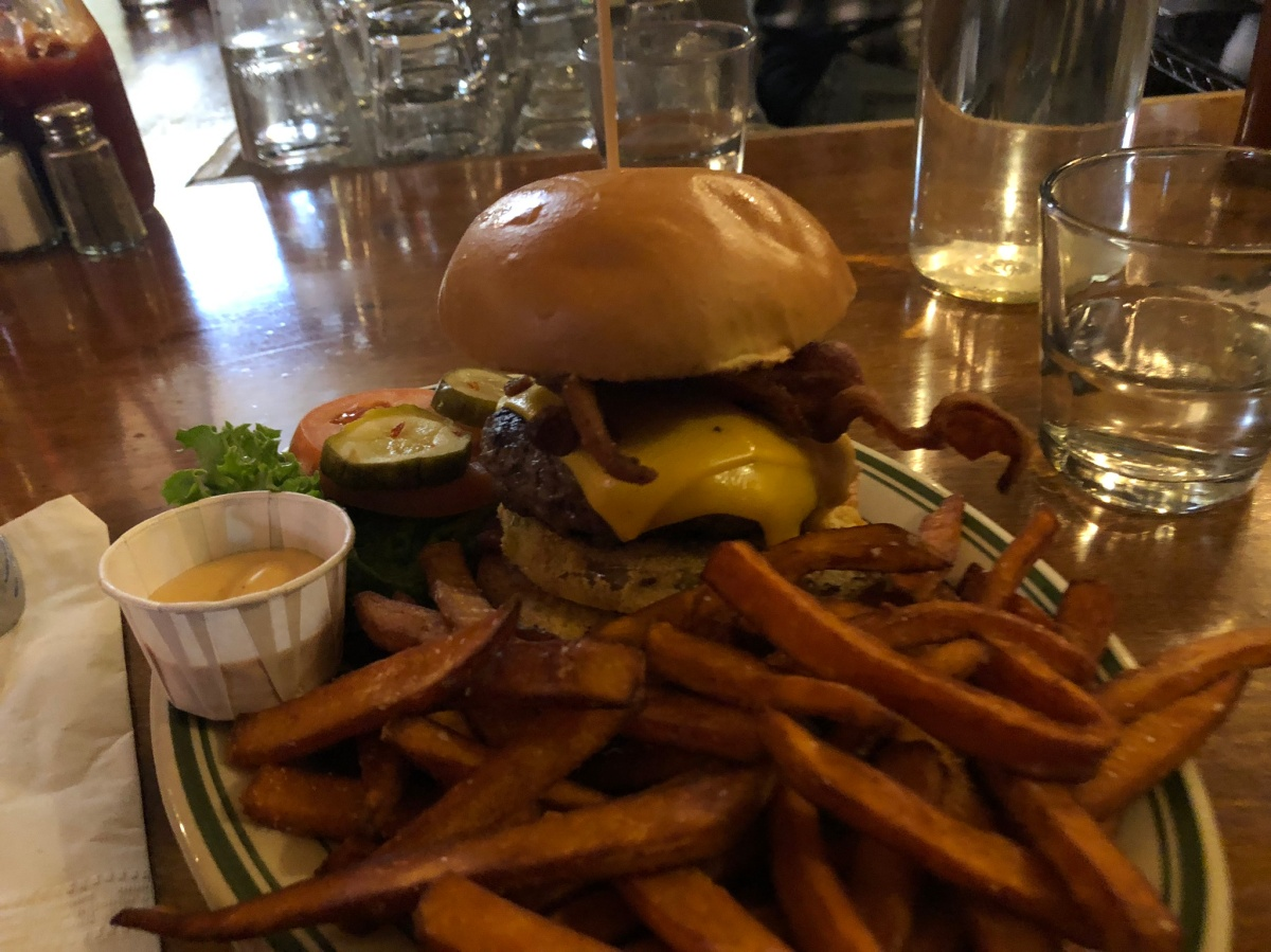 HotHouse Burger - Lettuce, Tomato, Onion, American or Swiss - $11
